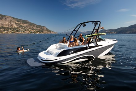 Campion Allante 645i BR Watersports Edition (1)